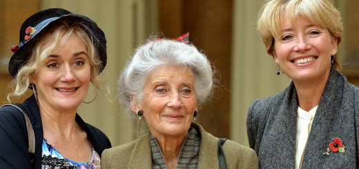 Sophie Thompson (Mafalda Hopkirk), Phyllida Law, and Emma Thompson (Sybill Trelawney) are pictured at Law's OBE ceremony in 2014.