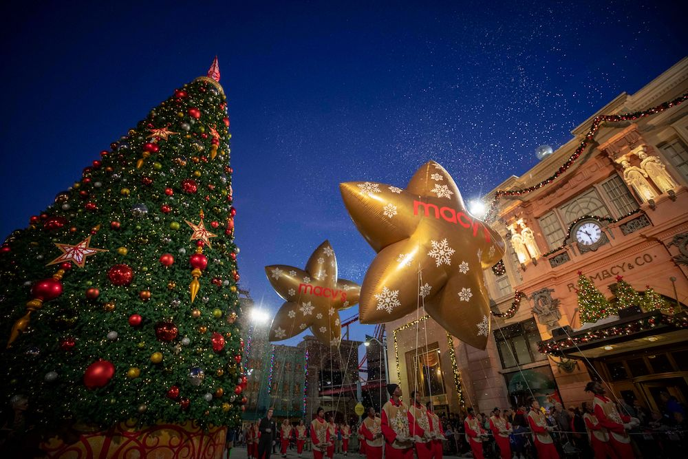 The Universal Holiday Parade featuring Macy's will bring together characters from all of your favourite Universal properties.