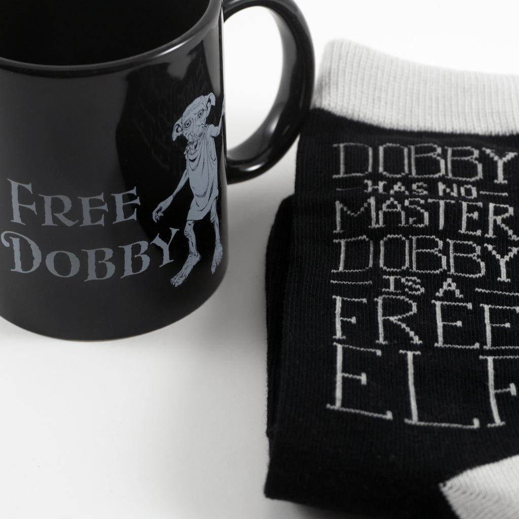 Eight3Five mug & socks, close-up