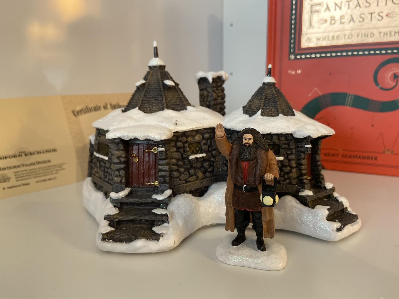 Bradford Exchange Hagrid's Hut set