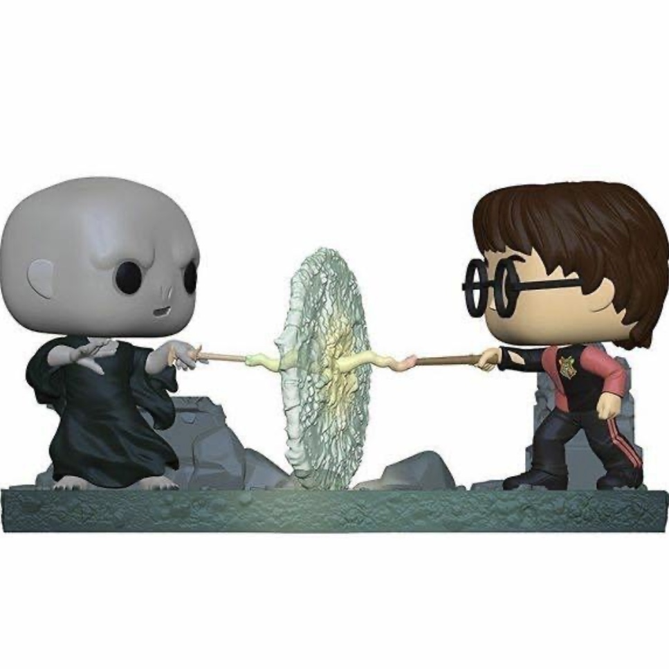 Image of harry and Voldemort Funko pops dueling