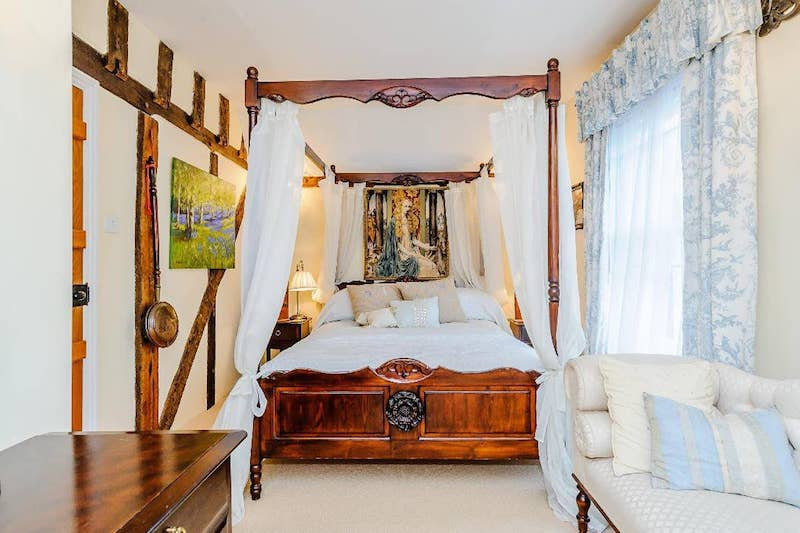 Both rooms have four-poster beds and ensuite private bathrooms.