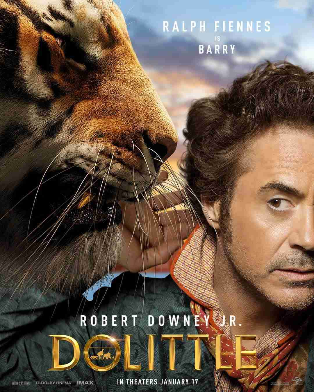 Robert Downey Jr. as Dr. Dolittle poses with Ralph Fiennes' character, Barry the Tiger.