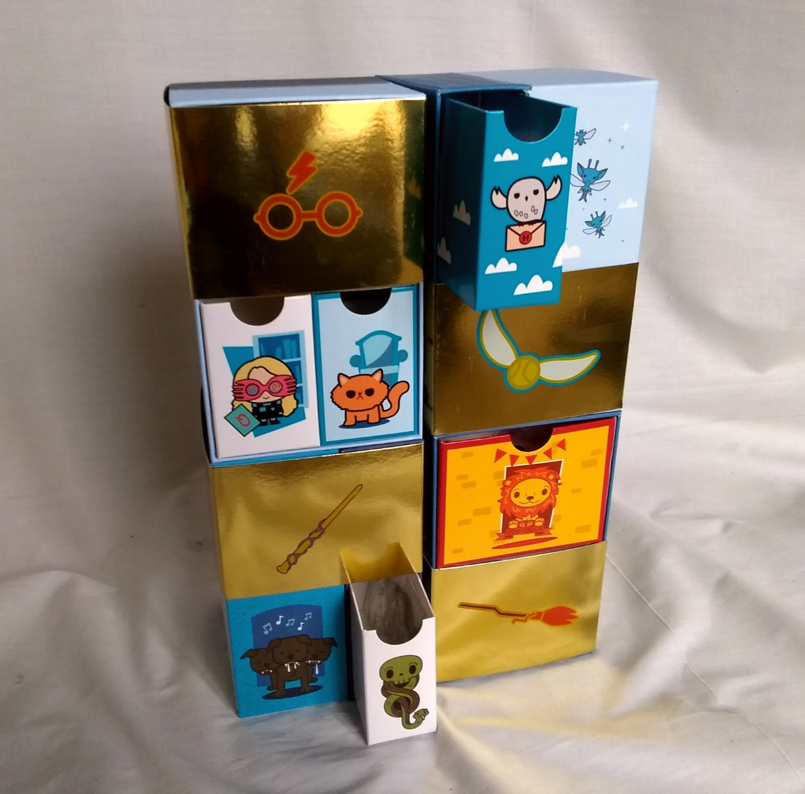 YuMe Toys Infinity Box – boxes pulled out