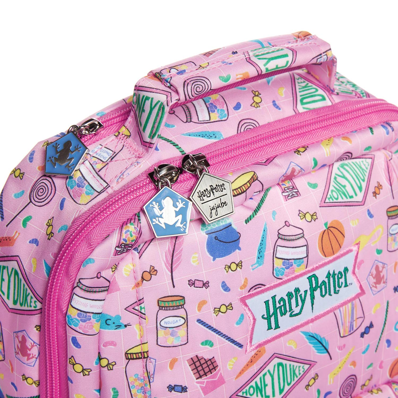 JuJuBe Honeydukes backpack, zipper close-up