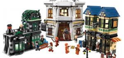 The Diagon Alley LEGO set is pictured.