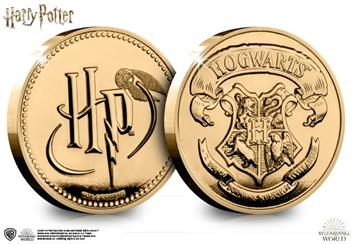 The Westminster Collection's Official Hogwarts Commemorative coin looks as if it came straight from Harry Potter's vault at Gringotts Wizarding Bank.