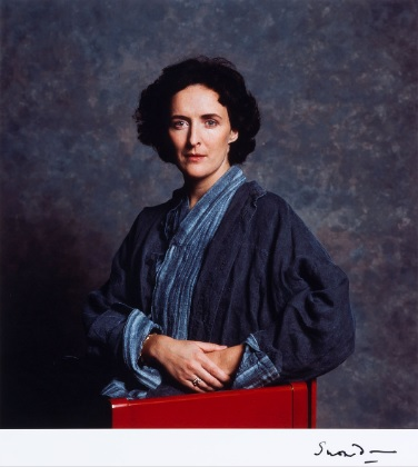 A portrait of Fiona Shaw by Lord Snowdon is currently up for auction at Christie's.