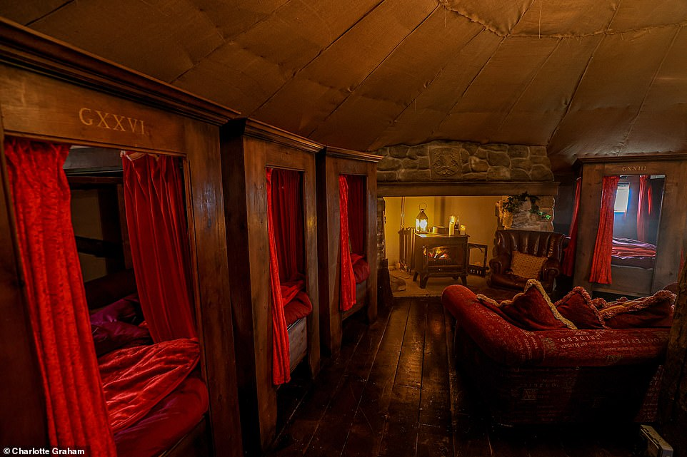 There are six four-poster beds in THe Dorm accommodation that look exactly like the beds in the Gryffindor dormitories of the movies.