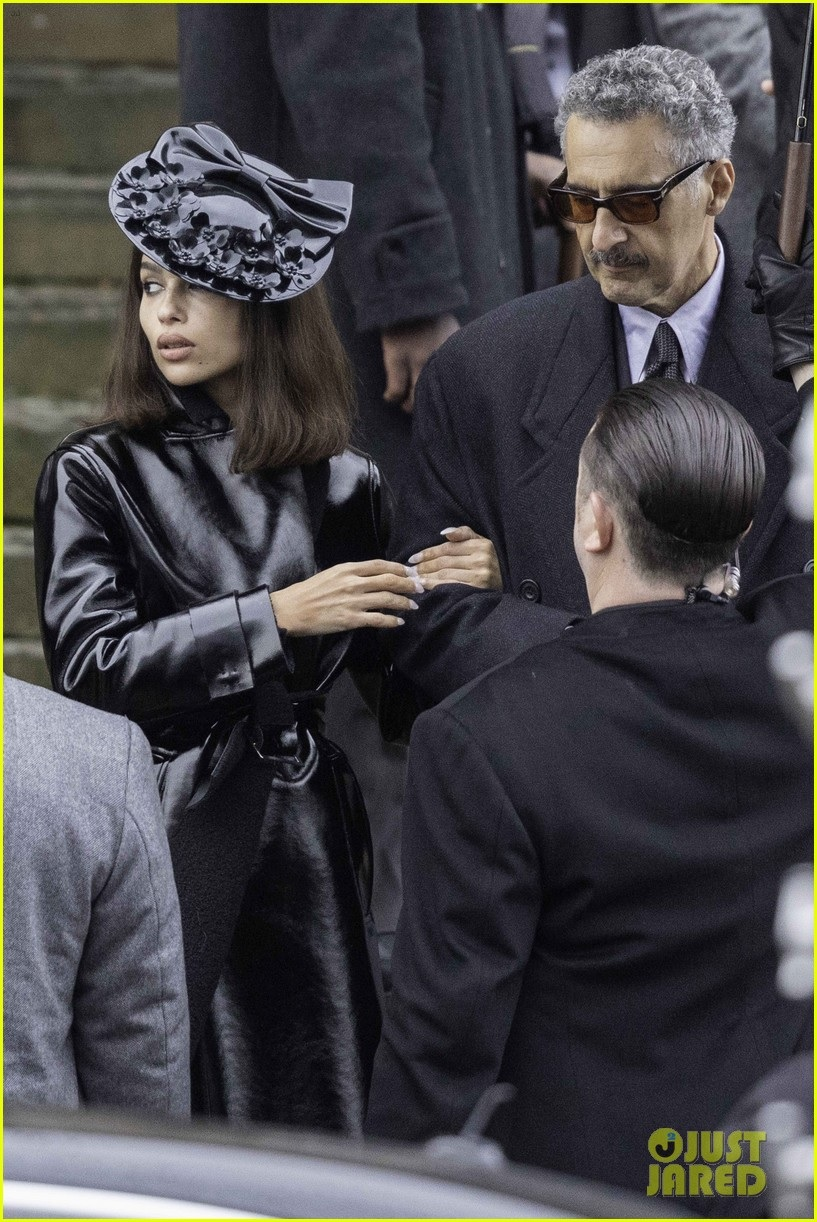 """Zoë Kravitz looks purrfect as Selina Kyle during filming for """"The Batman""""."""