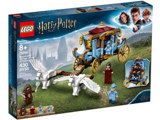 LEGO Beauxbatons' Carriage: Arrival at Hogwarts