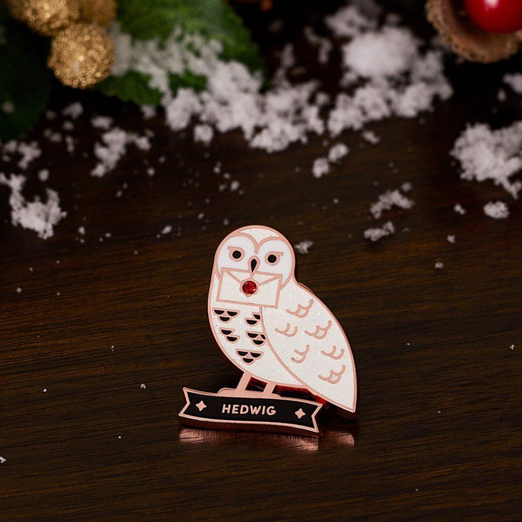WWD Glitter Hedwig pin