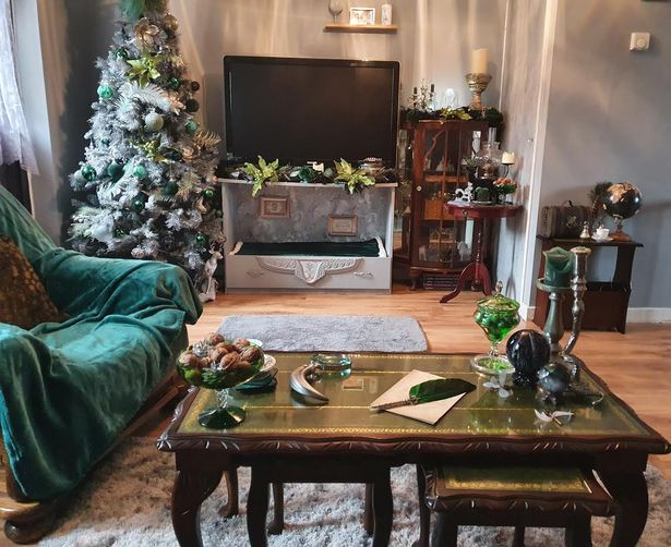 """""""Harry Potter"""" fan Rachel Wood's Slytherin decorations are shown, as published by Birmingham Live."""