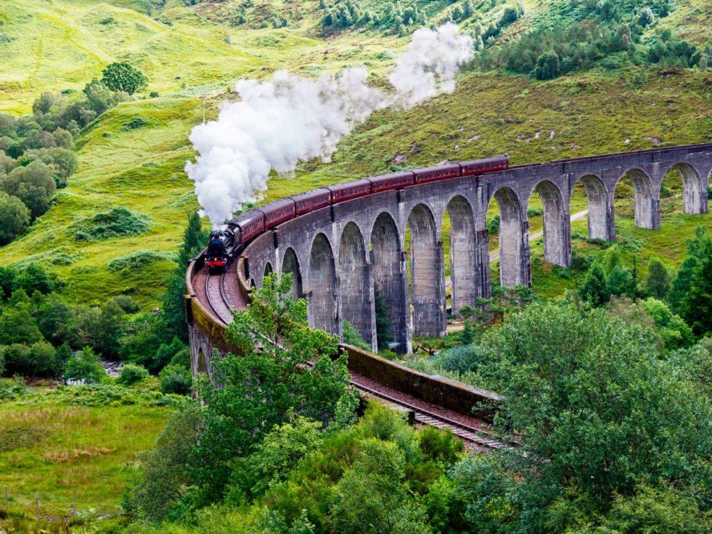 Hogwarts Express traveling to Hogwarts