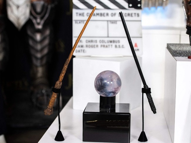 Alongside Harry's wand, Julien's Auctions will also feature one of Snape's wands.