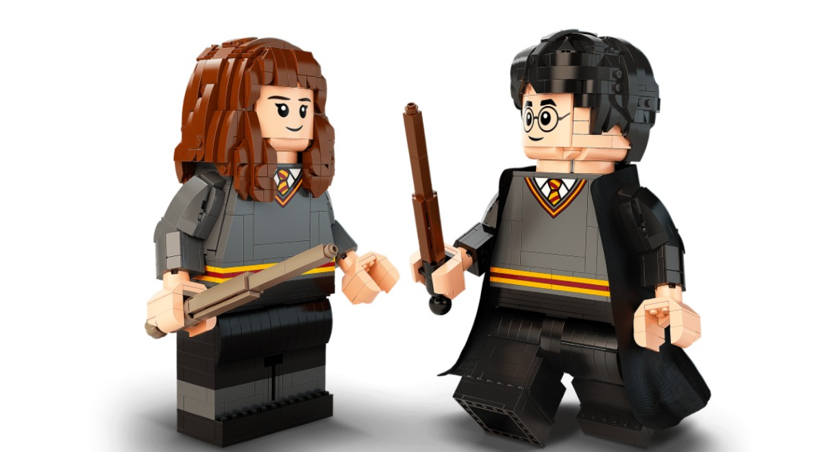 LEGO's 20th Anniversary Harry and Hermione figures.