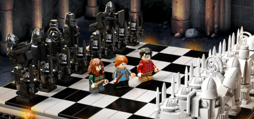 The Hogwarts™ Wizard's Chess set from LEGO is shown as a featured image.