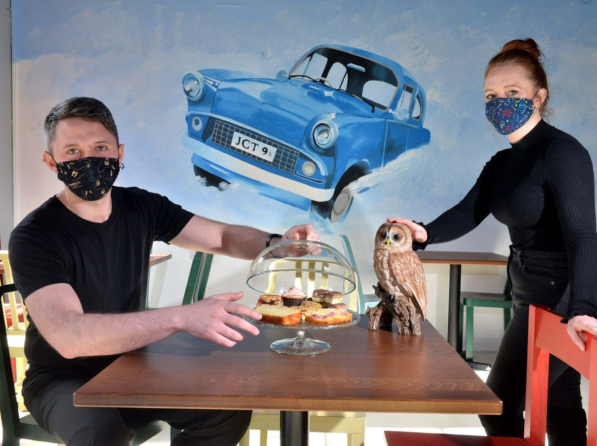 """Massive """"Harry Potter"""" fan and co-owner Jennie Bentley painted this gorgeous mural of the flying Ford Anglia from """"Harry Potter and the Chamber of Secrets."""""""