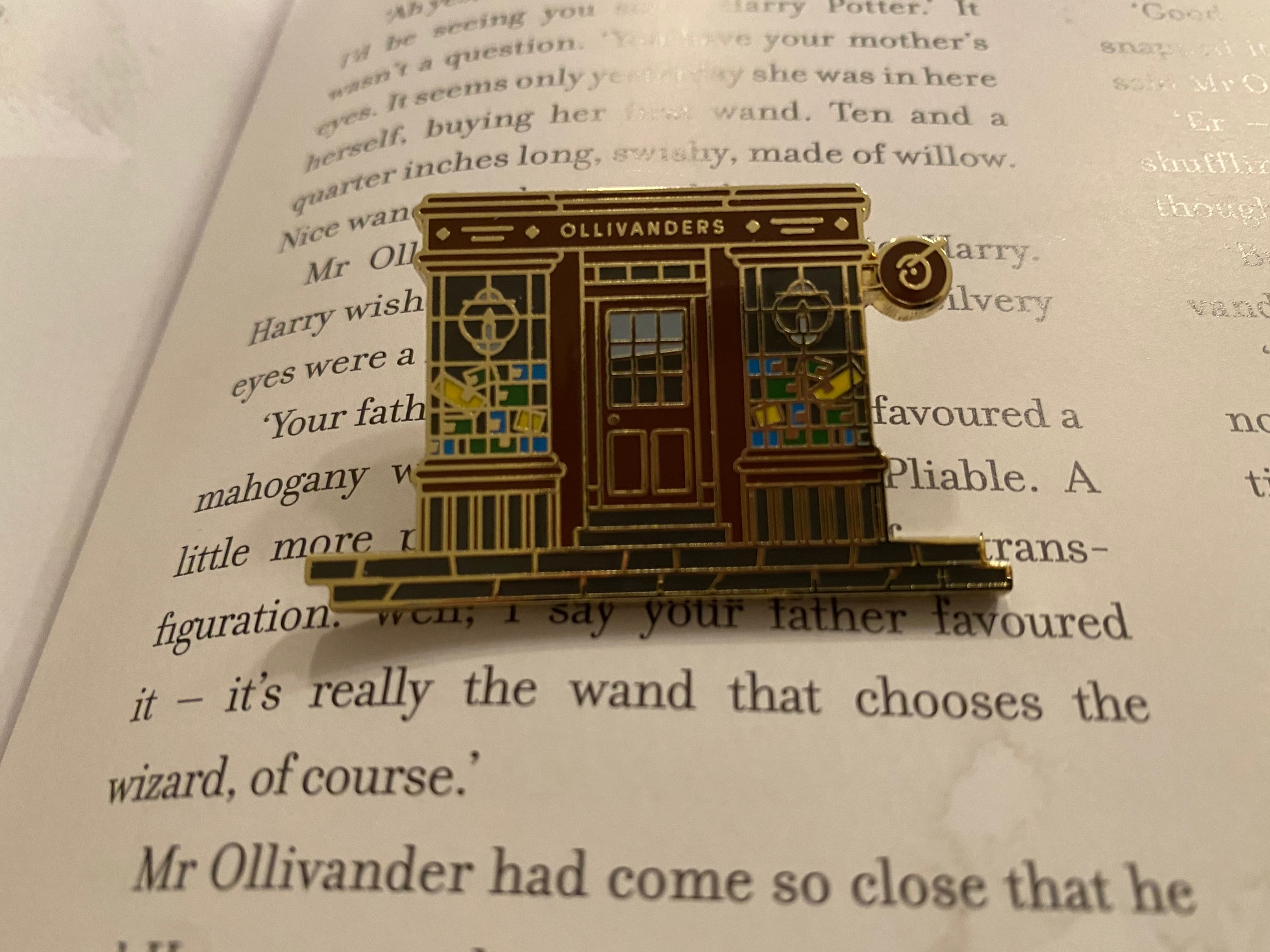 Ollivanders Pin