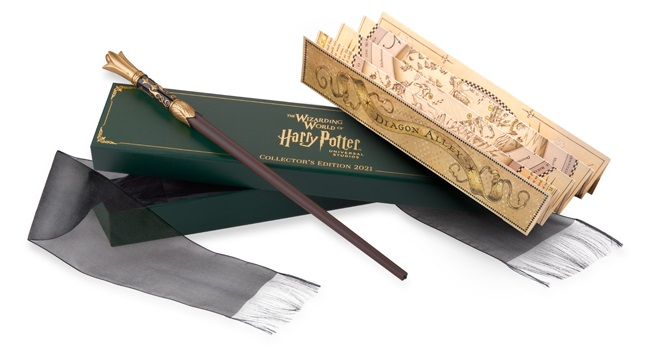 The Interactive 2021 Collector's wand is seemingly inspired by spring with a golden flower bud pommel and leaves cradling the blade.