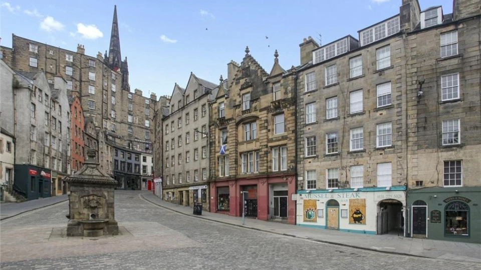 """View of Edinburgh """"Harry Potter"""" Airbnb shows off the charming Scottish shops in the area."""