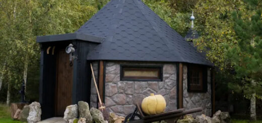 "Hagridd's Hideaway is a guest home that resembles Hagrid's Hut in the ""Harry Potter"" films."