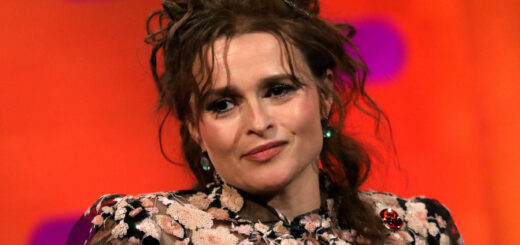 Helena Bonham Carter says Florence Nightingale would be angered by England's 1% pay raise for NHS workers.
