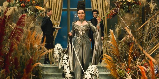 """Emma Thompson with Dalmatians in """"Cruella"""""""