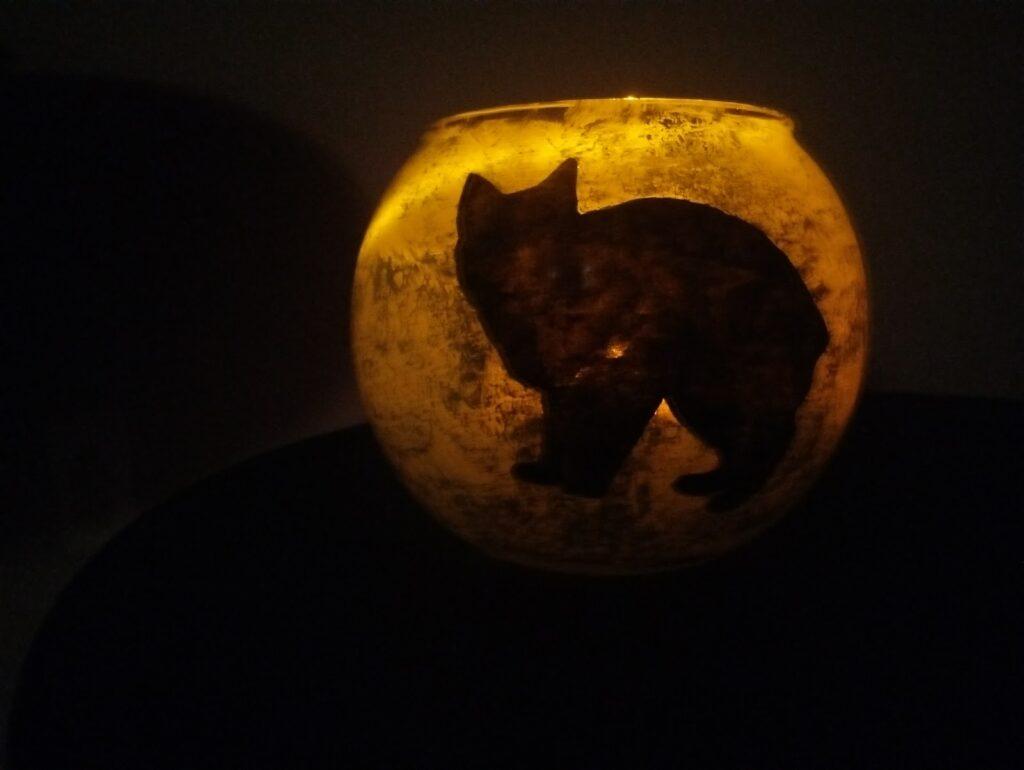 This is a cutout for a patronus light jar.