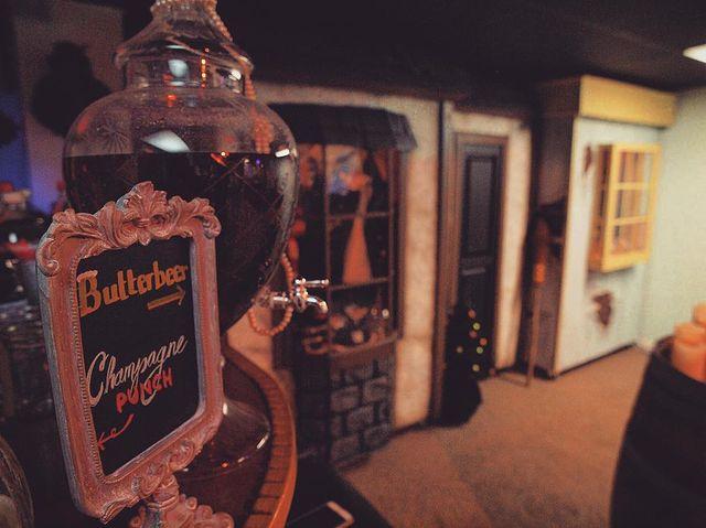 A Potterhead created a Diagon Alley replica in their basement