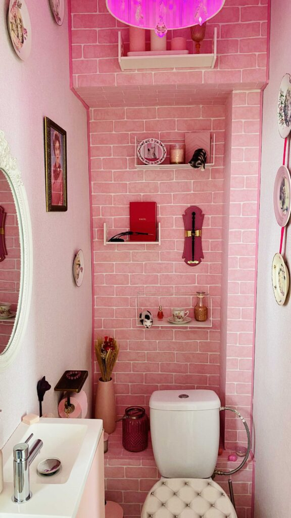 A very pink bathroom inspired by Dolores Umbridge