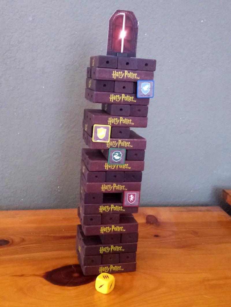 Gameplay. JENGA: Harry Potter Edition