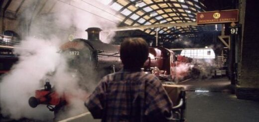 Harry Potter sees the Hogwarts Express for the first time