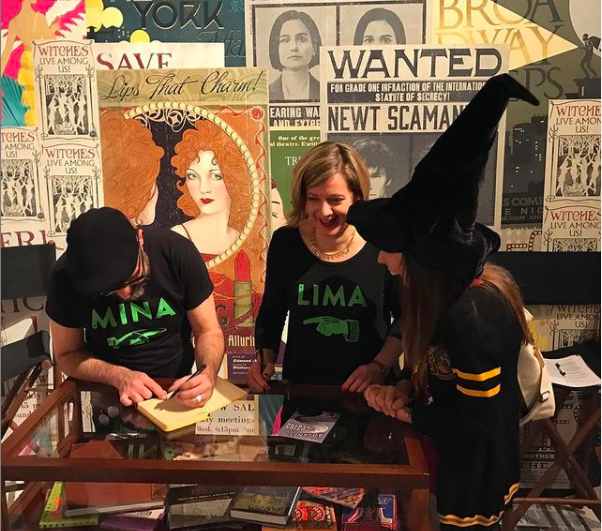 MinaLima meeting a fan at the Celebration of Harry Potter in 2017.